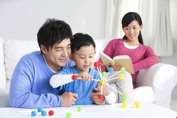 11 bước bố mẹ giúp con học giỏi mà không cần học thêm