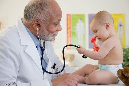 Lịch kiểm tra sức khỏe cho bé