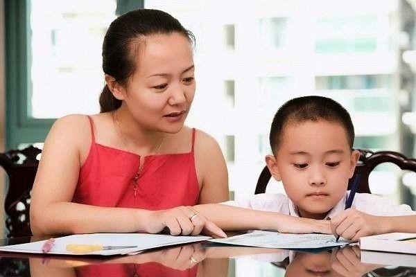 8 Bí quyết giúp ba mẹ dạy con học kém thành học giỏi
